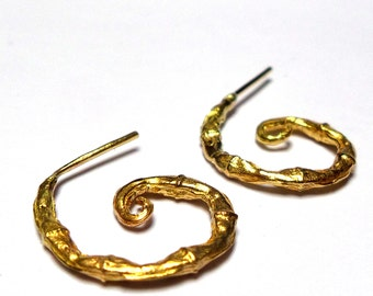 Gold Earrings - 18K Gold Stud Earrings - 18k gold Earrings - Horns Earrings - Collection seeds -  Free Shipping!!