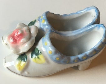 Occupied Japan Miniature Pair of Blue and White Porcelain Shoes / Boots Rose on Toe EUC
