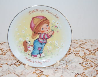 Vintage Mother's Day Plate, Avon Plate 1982, Little Things Plate, Collectible Plate