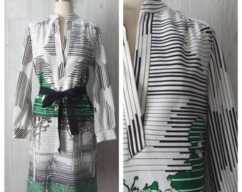 naturally mod | Women's Vintage 60s White Black & Green Geometric and Tree Novelty Print Shift Dress // Size Small Medium