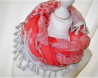 Red and white scarf with tassels tassels viscose