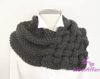 Knitting pattern for a Weave Style Scarf - quick and easy - perfect for beginners