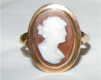 14K Gold Cameo Ring - Size 6 3/4