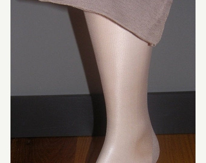 "30% OFF 3 Vintage Seamed Nylon Stockings Size 11 X 32 1/2"" Taupetone Reenactment 40s Swing Dance"