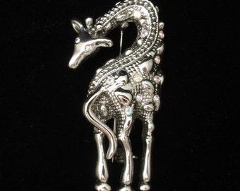 Giraffe Brooch Pin Textured