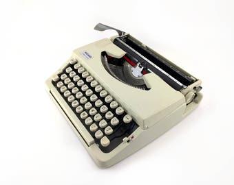 Wizard Truetype Manual Typewriter - Pale Yellow - Working Typewriter - Good Condition