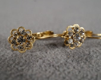 Vintage Jewelry Several Round Rhinestones, Flower Design Dangle Lever Back Pierced Earrings      KW18
