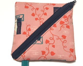 Triangle Zip Pouch - Pink Ivy