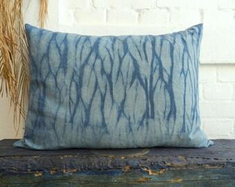 Arashi Shibori dusty light Indigo Blue Pillow 20th Century hand dyed german vintage Linen Cushion 50x70 cm 20x28 inches