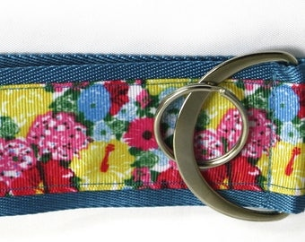 Lilly Pulitzer heritage floral blue inspired large key fob ring keychain