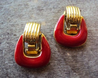 Retro red and gold goldtone enamel clip on earrings