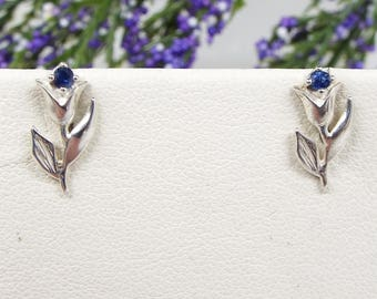 Vintage / Sterling Silver Dainty Blue Sapphire Tulip Flower Stud Earrings 925