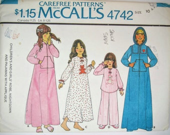 McCall's 4742 Girl's Robe Nightgown & Pajamas Sewing Pattern Size 10 Uncut