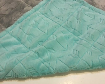 Plush minky arrow grey/sky blue weighted blanket 35X60