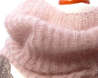 Infinity scarf /loop / knitted scarf / mohair / silk / light pink / silver