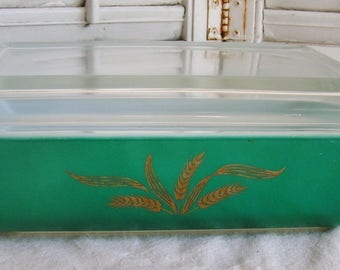 Pyrex Promotional Green with Gold Wheat Space Saver Casserole Dish With Lid in the Hospitality Line 2 Qt Oblong Retro Teal Pyrex 575-B