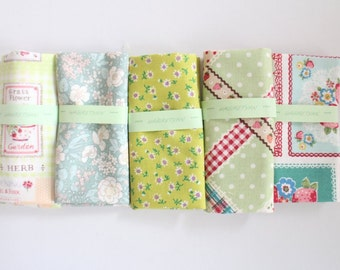 "5"" x 5""  5 FLORAL Japanese fabric Patchwork Charm Squares  No.16"