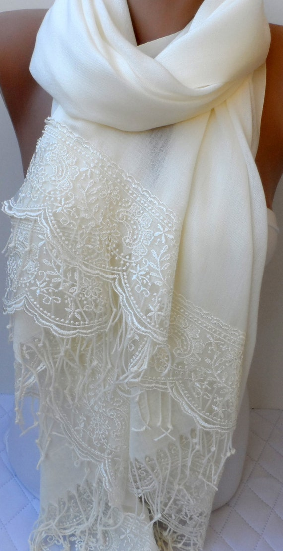 Summer bridal shawl in ivory wedding shawls ivory pashmina for Shawls for wedding dresses