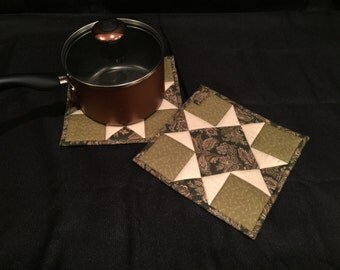 Pieced, Quilted & Insulated Pot Holder Set