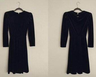 Black Velvet Dress (Small). Black Dress. Velvet Dress. Little Black Dress. Vintage Dress.