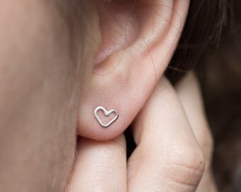 Tiny hearts - Sterling silver stud earrings, minimal, simple every day studs for a romantic girl