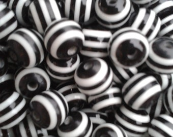 50 black and white 8mm striped resin beads
