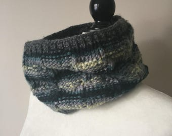 Stormy Mint Polka Dot Cowl with Grey Edges
