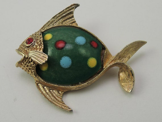 Signed jj gold tone and painted glass fish pin c1970s for Painted glass fish
