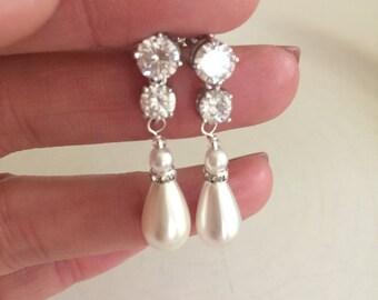 Teardrop Pearl wedding Earrings on CZ studs bride Pearl Drop Earrings Sparkly stud Earrings Cubic Zirconia bridal earrings wedding jewelry