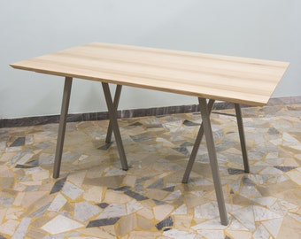 Extendable Table in ash wood