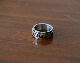 Rotataing Sterling Silver Greco Roman Band Ring