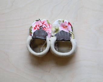 Newborn Floral Leather Moccasin Booties