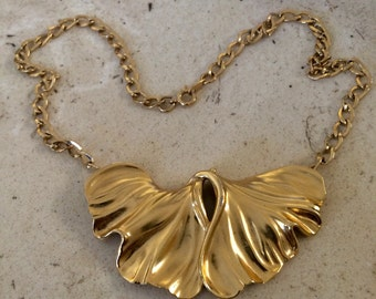 Lovely TRIFARI Golden Leaves Necklace in Excellent Condition.