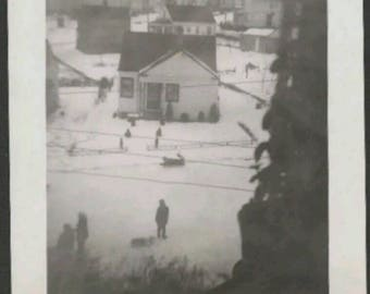 Vintage Antique 30s B&W Snapshot Photo Winter Outdoors Vernacular Perspective