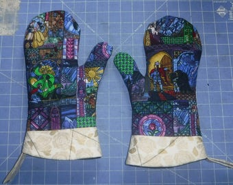 Beauty and the Beast Oven Mitt Set