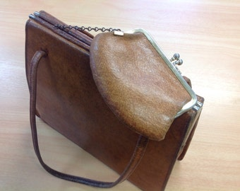 Vintage leather top handle bag,and small coin purse. Very vintage handbag,kitsch,retro handbag,1950's bag with purse. Leather bag,distressed