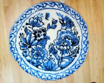 Blue Delft Hook Rug, Round Area Rug, Shabby Cottage Rug, Vintage Blue Floral Throw Rug, Blue White Flower Rug, The Delft Collection, Clarion