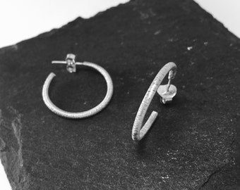 Silver - textured hoop II - EARRINGS