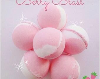 Summer Berry scented bath bombs, Fruity bath bombs, Handmade bath bombs, Bath bombs, Bath care,