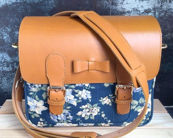 Navy Flora  Mirroless Camera bag + 1 camera strap ( your can choose camera strap any style that I have )
