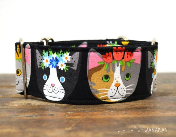 Martingale dog collar model Flower Cats. Adjustable and handmade with 100% cotton fabric. Frida Kahlo. Wakakan