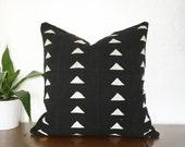 "Mudcloth Pillow 18"" Monochrome Geometric Triangles Black White"