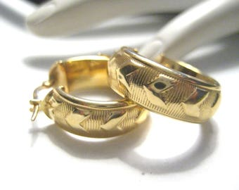 "14K Yellow Gold Hoop Earrings Perfect Size 3/4"" D x 1/4"" W 3.6 grams"