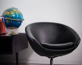 mid century modern black overman pod chair space age lounge chair 1960s
