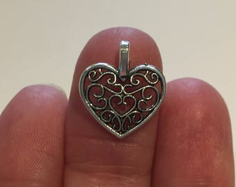 10 Heart Charms Antique Silver - HEART07