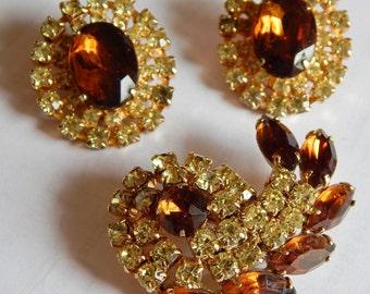 Stunning Vintage Taupe Topaz Yellow Rhinestone Juliana Style Large earrings brooch costume set