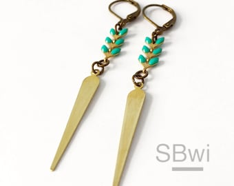 Geometric earrings in bronze with enamel detail