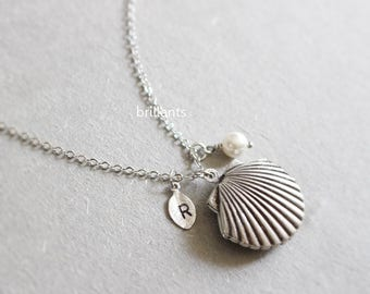 Personalized Sea Shell and pearl Locket, Clam necklace, Lucky charm, Bridesmaid jewelry, Everyday jewelry, Wedding necklace