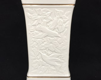 Lenox Eternal Cream Vase with 24-K Gold Trim and Raised Design of Hummingbirds and FLowers
