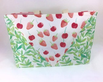 Very Berry Beach Bag